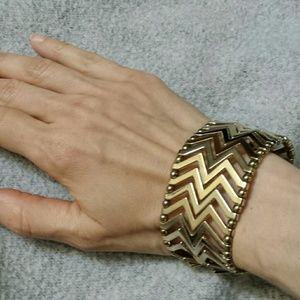 Jewelry - *FINAL SALE* Bold Zig Zag Bracelet Cuff